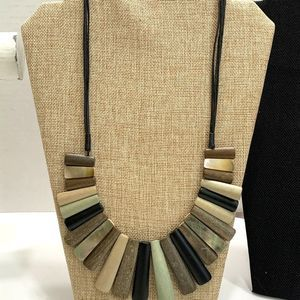 Tribal Style Graduated Wood Pieces Necklace 13 in.